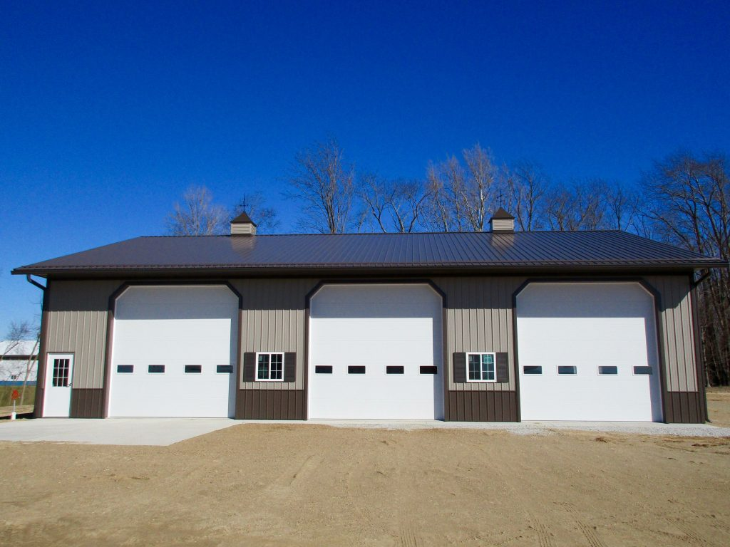 Josh-Galien, MI 54x68x16 with 10x68 lean too. Burnish Slate roof and Taupe sides. Horse stall and loft inside.